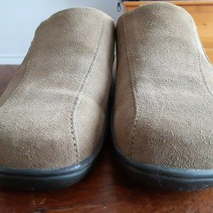 Footprints by Birkenstock Beige Suede Clogs Mules